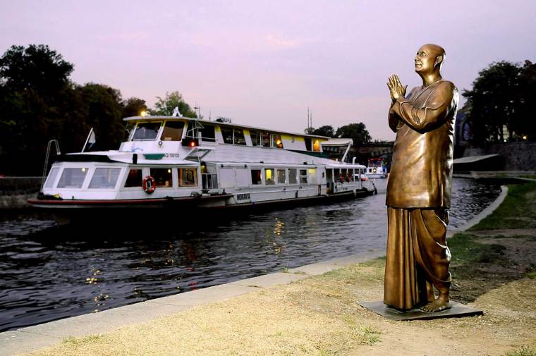 CKG-statue-in-Prague
