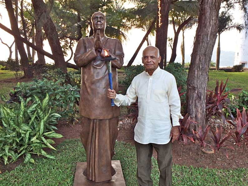 First Statue of Sri Chinmoy in India