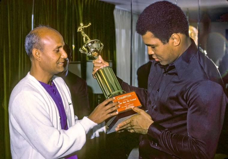 Muhammad-Ali-&-Sri-Chinmoy-09-29-1977_15-by-Bhashwar-Hart